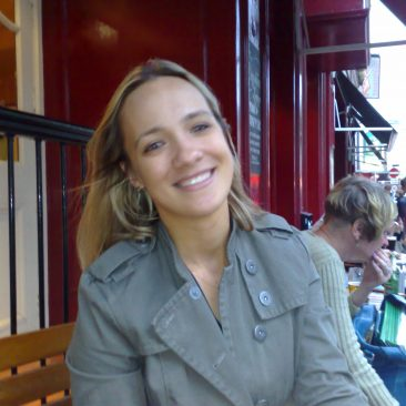 Paula Tooths - Producing an article about Pubs in London