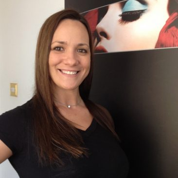 Paula Tooths covering beauty exposition