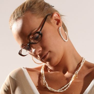 Paula Tooths producing a jewellery event